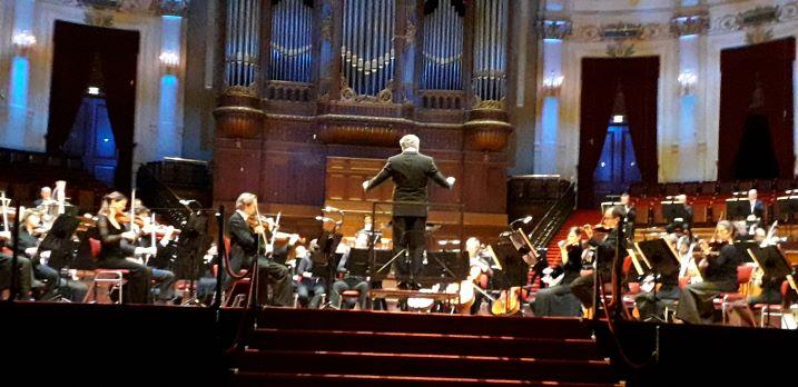 Nederlands Philharmonisch Orkest speelt Prélude à une nuit américaine Mathilde Wantenaar: 'Ik voel me net als de Mol in mijnopera'