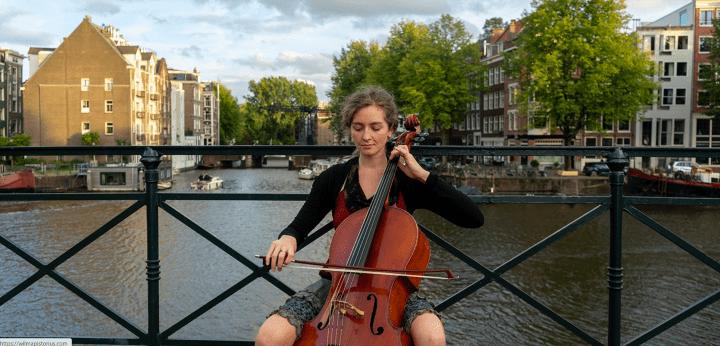 Wilma Pistorius: ''Mijn creatieve proces komt op gang vanuit iets betekenisvols maarongrijpbaars'